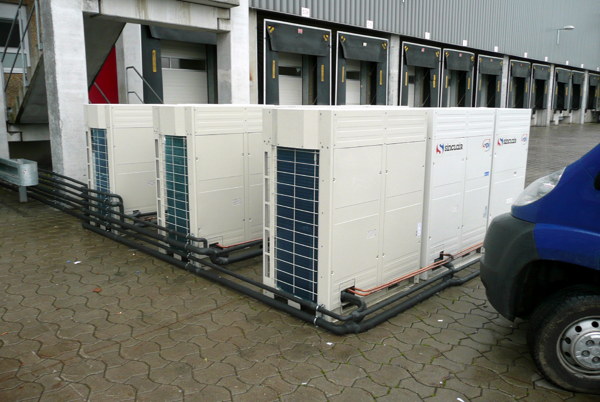 Commercial air conditioner system for company KAUFLAND