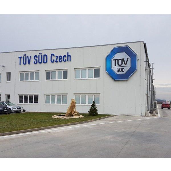 TÜV SÜD crash center