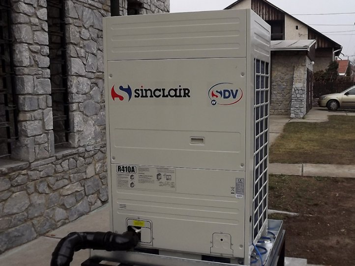 Commercial air conditioner system for church